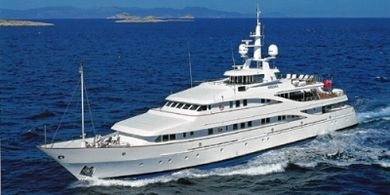 huntress yacht charter