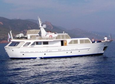 Together Alpha yacht charter - rent a yacht